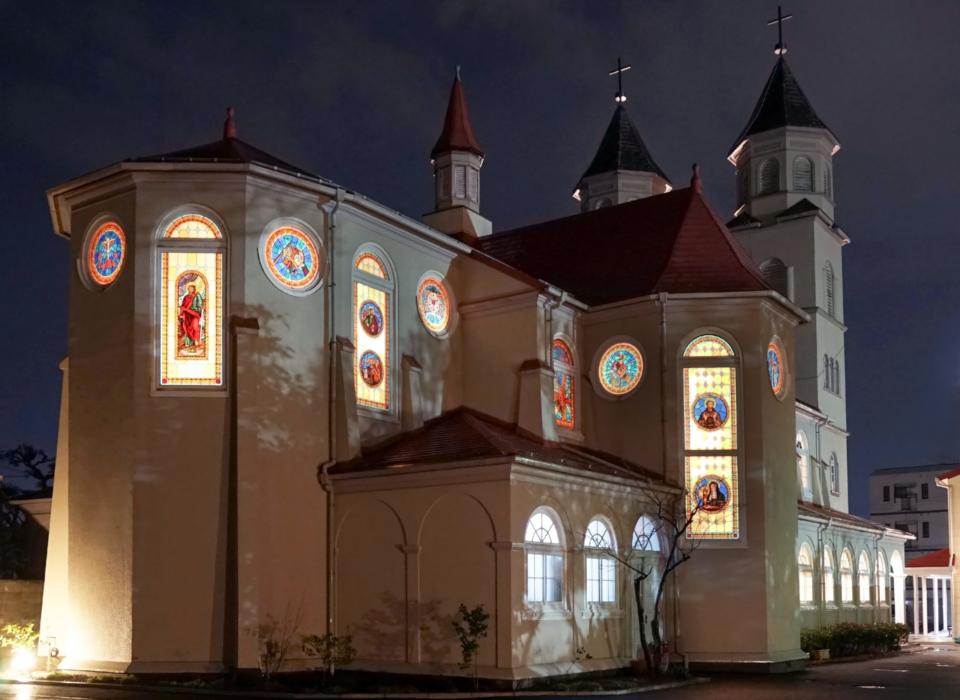 夜の新潟教会